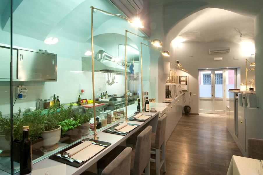 Il nostro ristorante mangiare a genova dove mangiare for Cucina arredi genova