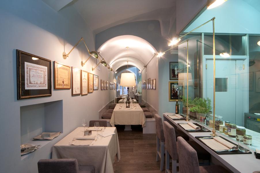 Illuminazione Tavoli Ristorante : Il nostro ristorante mangiare a genova dove mangiare genova